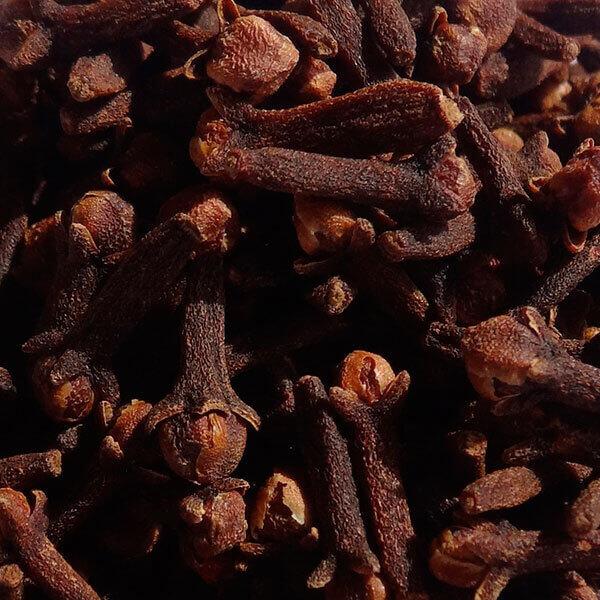 Aceite esencial de clavo de especias